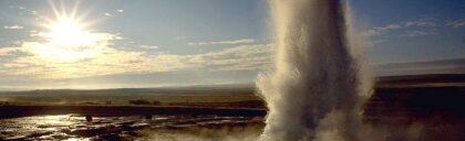 Geyser Iceland 800px-Strokkur_geyser_eruption,_close-up_view